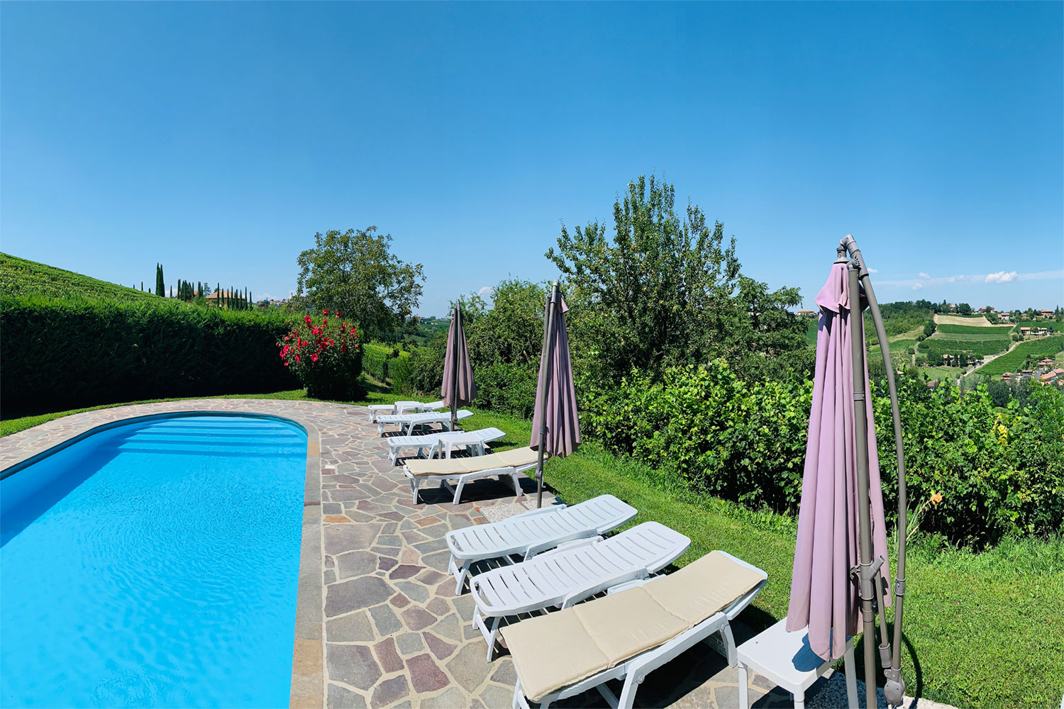 apartment Asti pool